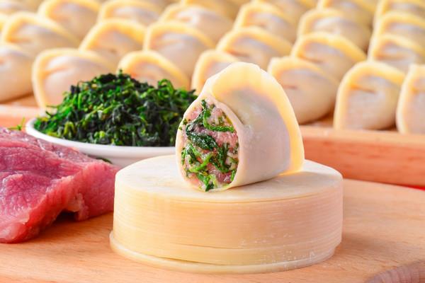 荠菜鲜肉饺